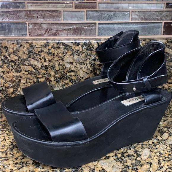 5be266e17545 Steve Madden Tedeschi platform wedge sandals. M 5c3cc773819e903249ef91a9